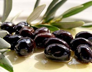 Черни натурални маслини